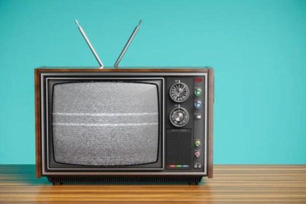 En el pueblo de Reino Unido, a las 7 de la mañana, todos los días, un habitante encendía su viejo televisor, lo que dejaba sin efecto la banda ancha para todo los habitantes