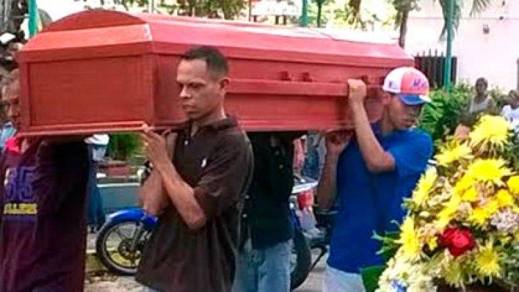 El día que sepultaron a las tres últimas víctimas de la Masacre de Barlovento