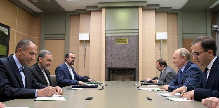 Como parte de la delegación local participó el ministro de Asuntos Exteriores de Rusia, Sergei Lavrov, mientras que del lado iraní asistió el embajador Sanai