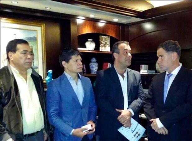 Cristino Villalba junto a Daniel Capitanich en la Misión Comercial Miami-Buenos Aires de la que participó la Cámara de Comercio de Resistencia participó junto a empresarios de la Provincia (Diario Chaco)