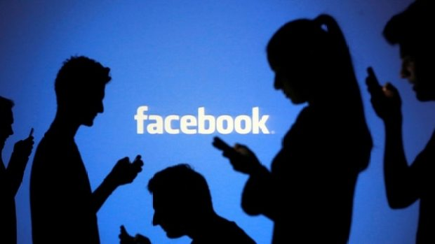 El hackeo le abrió el acceso a los criminales a las redes sociales cuyo inicio de sesión estaba vinculado al perfil de Facebook (Reuters)