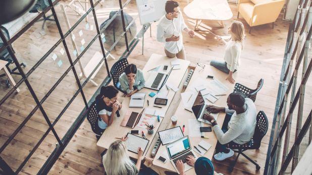 Una flexibilización puede ser atractiva para empresarios del sector de exportaciones de servicios