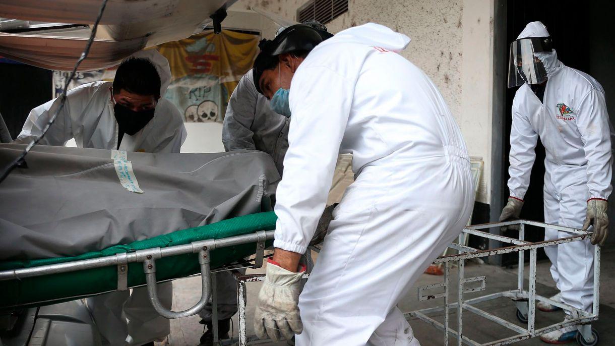 Los muertos por COVID-19 ya superan a los asesinados en 2019 en México
