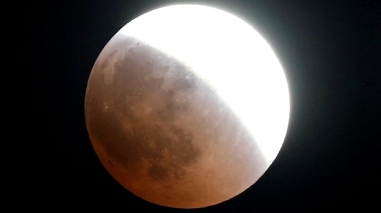 Así se vio el eclipse lunar desde El Cairo (Reuters)