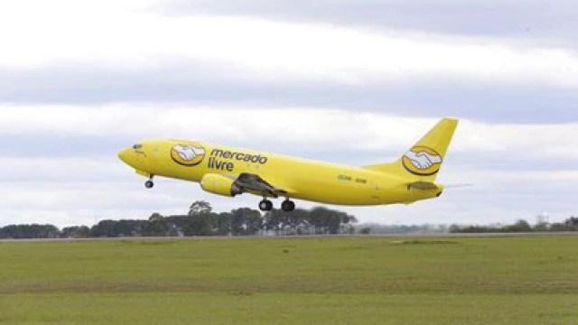 La compañía cuenta con aviones con su marca operados por transportistas de Brasil y México