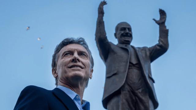 El 2015 Macri inauguró una estatua de Juan Domingo Perón (Foto: NA)