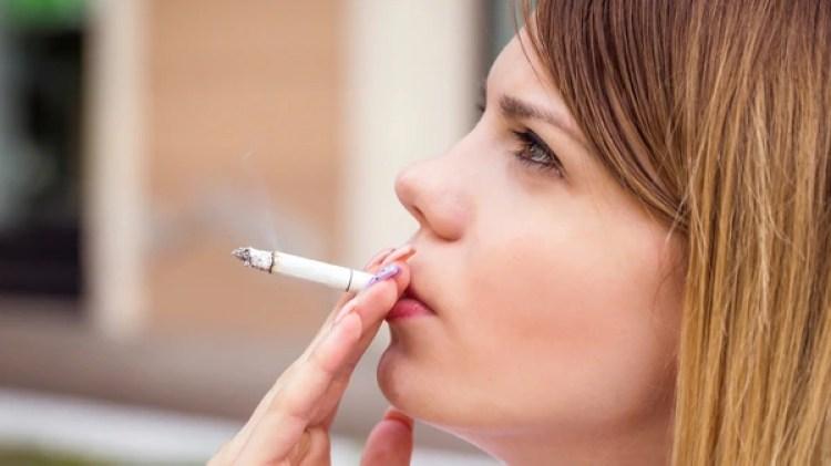 Especialistas alertan del incremento de consumo del cigarrillo en el mundo (iStock)