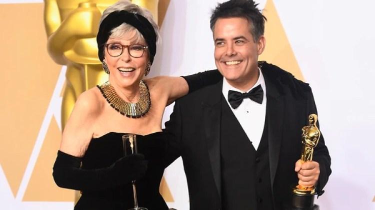 Sebastián Lelio, con Rita Moreno (Frazer Harrison/Getty Images/AFP)