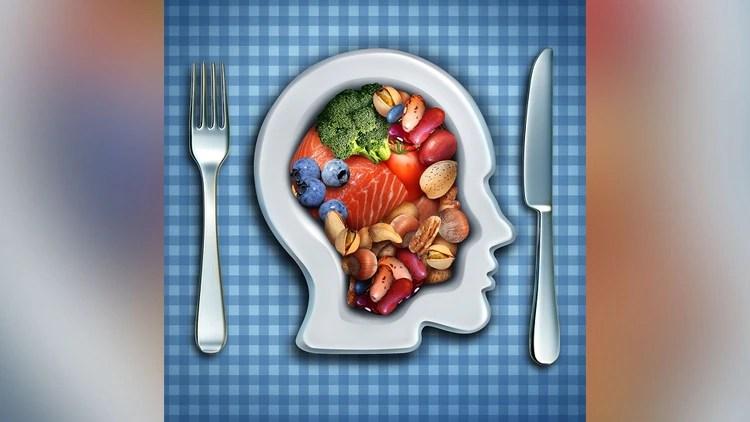 La dieta cetogénica demostró reducir de forma notable la ansiedad por beber alcohol en hombres, especialmente en las primeras semanas de tratamiento (Getty)