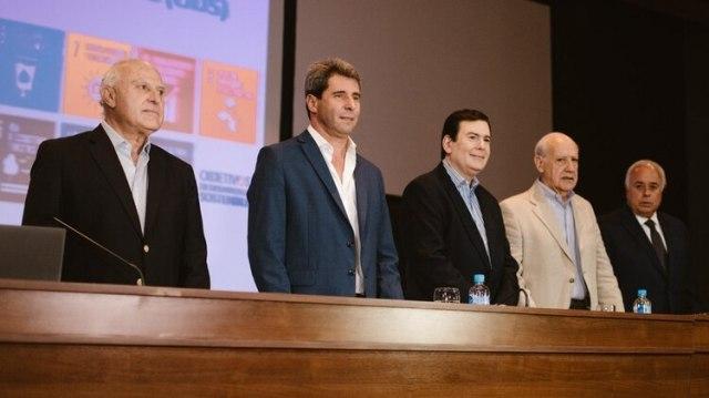 Uñac junto a Gerardo Zamora (Santiago del Estero), Miguel Lifchitz (Santa Fe) y Roberto Lavagna en San Juan