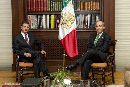 Calderón inició en 2007 la guerra militar contra el narcotráfico, que recrudeció la violencia en el país, y que Peña Nieto mantuvo durante su Gobierno, aunque al parecer los cabecillas de esta estrategia tenían vínculos con el crimen organizado.