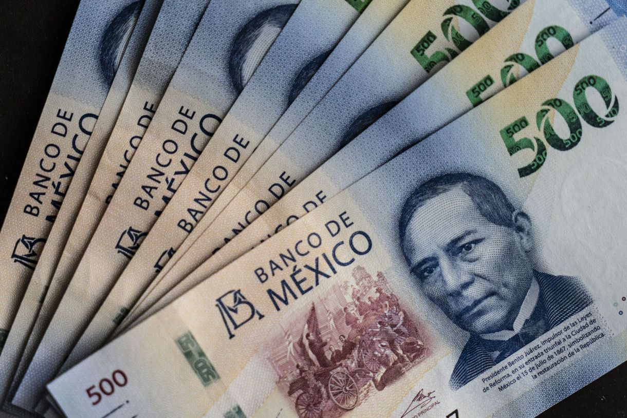 La divisa mexicana tuvo su mejor semana desde el 6 de julio del 2018 cuando AMLO ganó la presidencia (Foto: Cesar Rodriguez/Bloomberg)