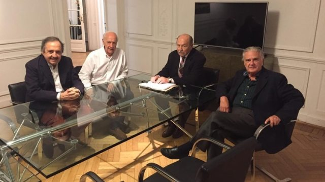 Alfonsín, Casella y Storani vuelven a ver a Lavagna. Se les suman Lifschitz y Stolbizer