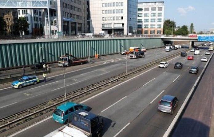 Vista general de la autopista donde ocurrió el ataque (Reuters)