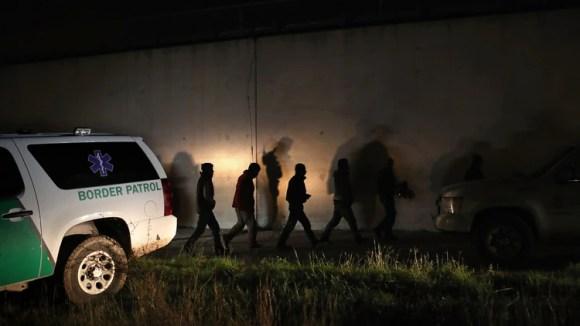 Los operativos en la frontera continúan, aunque la mayoría de indocumentados en el país ingresan por vías legales (AFP)