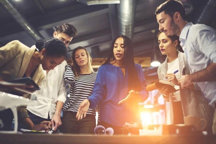 Los equipos que prueban 5 o más soluciones alternativas tienen un 50% más de probabilidad de lanzar productos y servicios con éxito