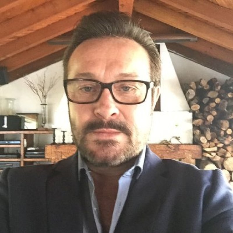 El actor está por incorporarse a las grabaciones de una nueva producción de Televisa(Foto: Instagram @arturopenicheof)