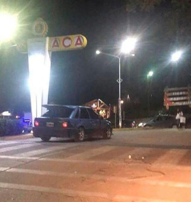 Una foto tomada por un vecino pocos segundos después del ataque en el lugar conde ocurrió el femicidio