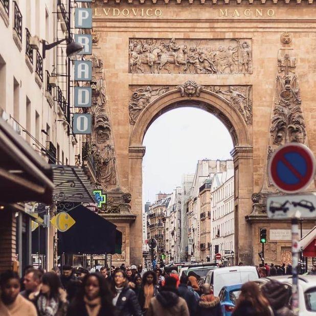 Algunos de los lugares más modernos de París han abierto sus puertas en la Rue des Petites-Écuries de Strasbourg-Saint-Denis, ayudando a que el vecindario siga siendo el epicentro del cool parisino