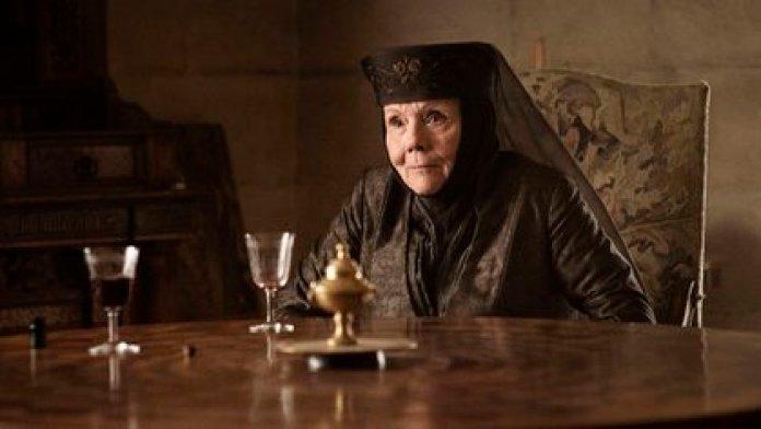 """Diana Rigg, legendaria actriz británica de """"Los vengadores"""" y """"Game of Thrones"""", falleció luego de una corta batalla contra el cáncer a los 82 años"""