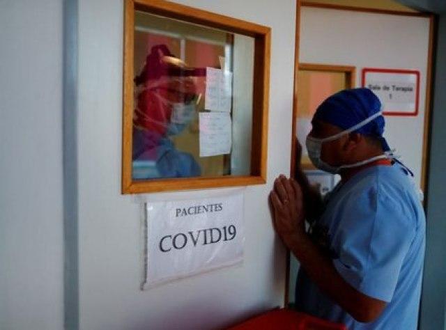 Los expertos opinaron a Infobae que no se testea lo suficiente  (REUTERS/Agustin Marcarian)