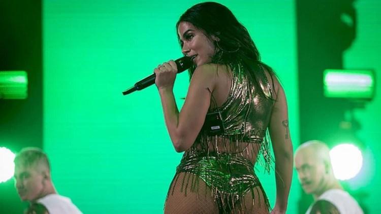 Anitta, en una de sus presentaciones habituales