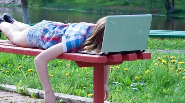 Frühlingsasthenie ist eine der häufigsten Erkrankungen, die bei Betroffenen zu großer Müdigkeit und Erschöpfung führt (Shutterstock).