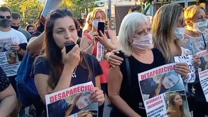 La primera marcha que se hizo para reclamar por la aparición con vida de Ivana