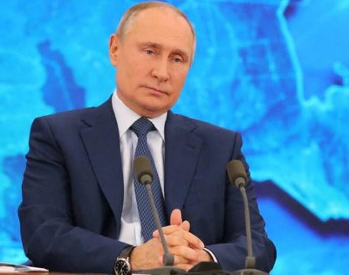 Imagen de archivo del presidente Vladimir Putin durante la conferencia anual de año nuevo, celebrada por videoconferencia desde la residencia estatal de Novo-Ogaryovo, a las afueras de Moscú, Rusia (Reuters)
