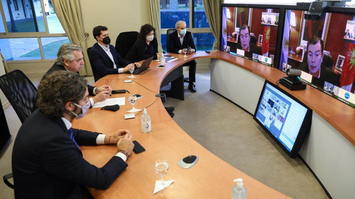 Alberto Fernandez con gobernadores extension cuarentena 27-08