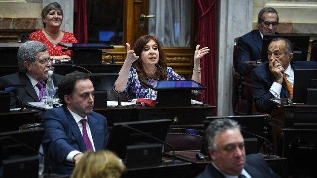 Cristina Kirchner en el senado, donde hoy tendrá una reunión de bloques