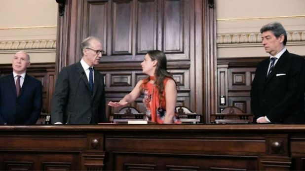 La diputada del Frente de Todos Vanesa Siley juró hoy ante los jueces de la Corte Carlos Rosenkrantz, Ricardo Lorenzatti y Horacio Rosatti.