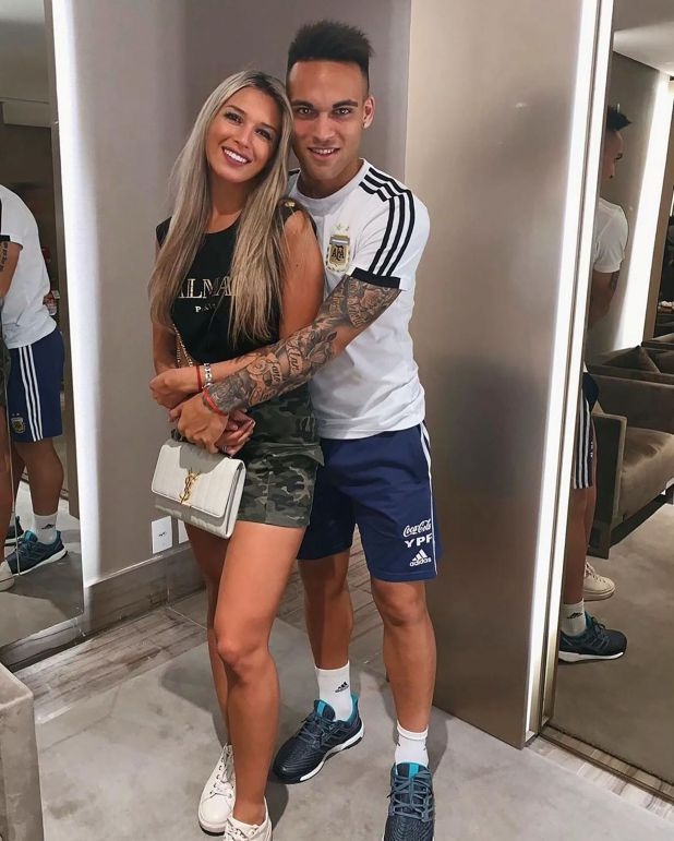Lautaro Martínez junto a su novia Agustina Gandolfo