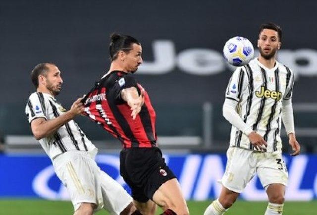 Zlatan se marchó lesionado (Reuters)