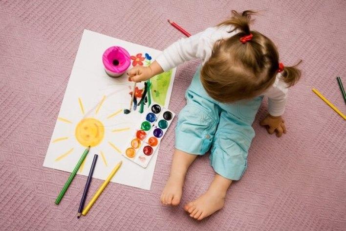 Hay varias señales que no necesariamente indiquen autismo, pero a las que hay que prestar atención (Shutterstock)