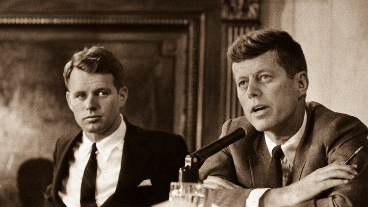 Robert Kennedy y John F. Kennedy (John F. Kennedy Presidential Library and Museum, Boston)