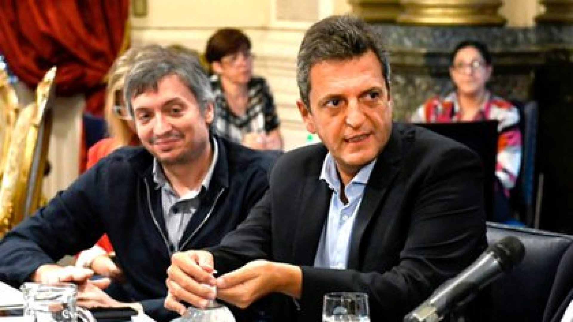 Sergio Massa y Máximo Kirchner en la Cámara de Diputados