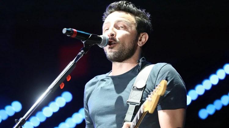 Emiliano Brancciari, líder de No Te Va Gustar. Los uruguayos demostraron una vez más que son una de las bandas de rock más convocantes del país (Mario Sar)