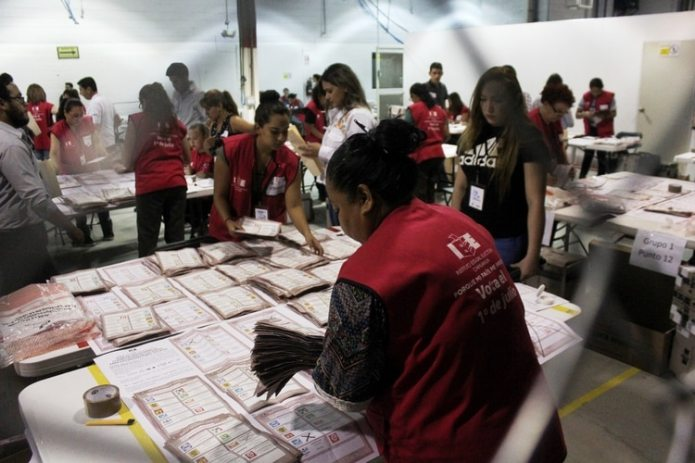 Alejandro Rojas' proposal for the internal election of Morena is that a citizen consultation be carried out with the support of the INE (Photo: Nacho Ruiz / Cuartoscuro)