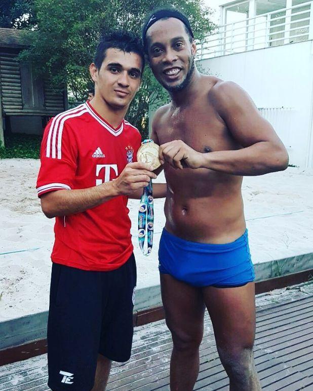 Ronaldinho y Lugo se conocieron en el Mundial de futvoley del 2016 en Brasil