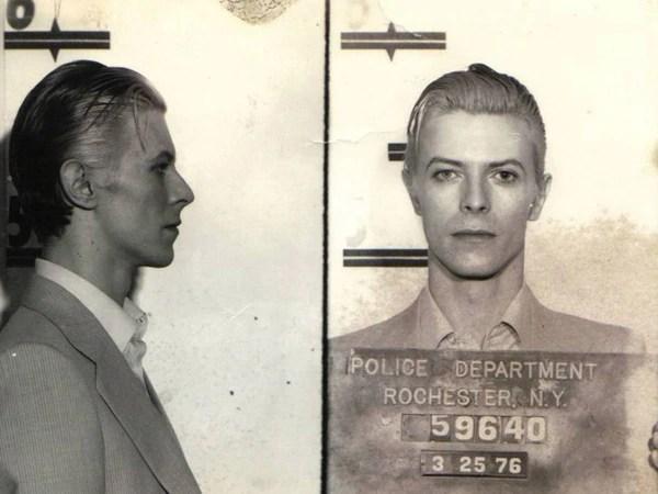 25 de marzo de 1976. La foto policial de David Bowie (Uso de dominio publico)
