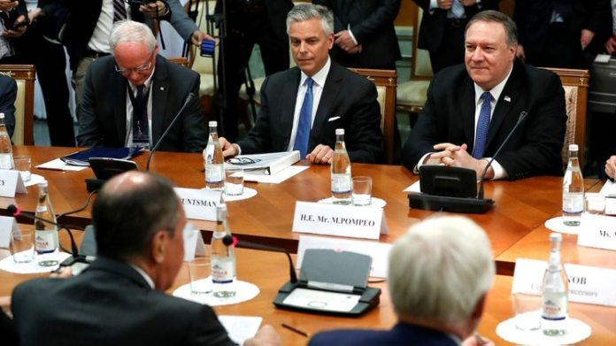 El encuentro entre los cancilleres ruso y estadounidense (Pavel Golovkin/Pool via REUTERS)