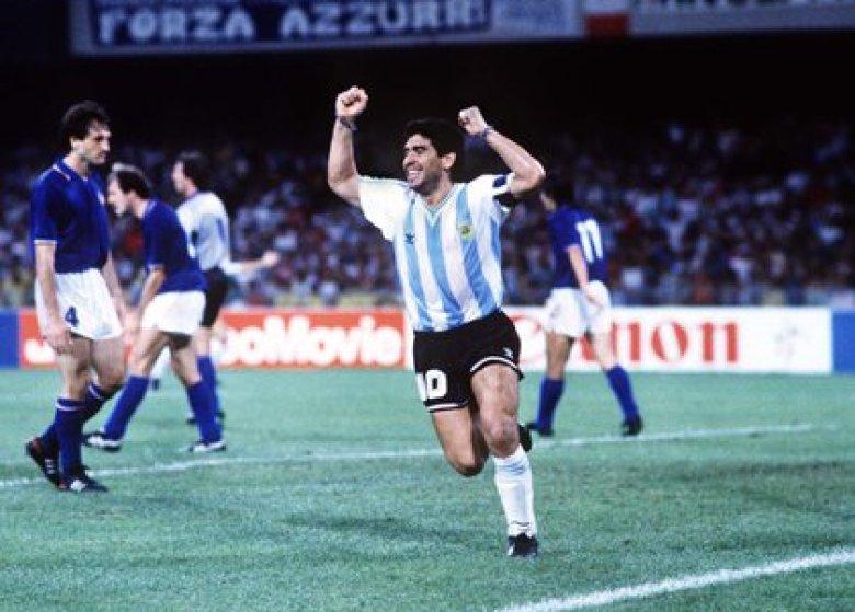 Diego Maradona (Foto by Colorsport/Shutterstock)