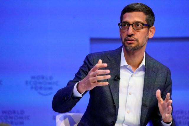 El CEO de Google, Sundar Pichai, dio a conocer algunas iniciativas como la donación de créditos publicitarios para la OMS y algunas ONGs para apoyar sus iniciativas sobre coronavirus (REUTERS/Denis Balibouse)