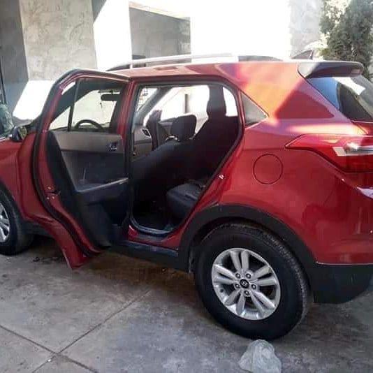 """La camioneta donde se encontraba la supuesta sobrina de José Antonio Yépez, """"El Marro"""" (Foto: Twitter/estrada1311)"""
