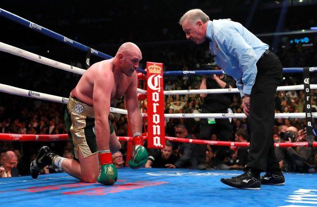 Tyson Fury reveló que bebió alcohol en la noche previa al combate ante Deontay Wilder (Reuters/Andrew Couldridge)