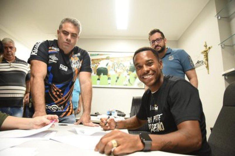 Robinho volverá al club en el que debutó en 2002