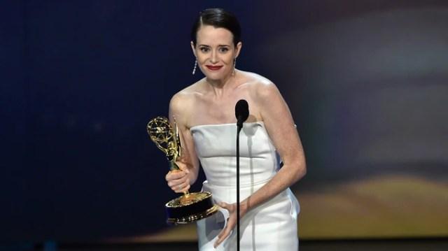 """Claire Foy ganó como mejor actriz dramática por """"The Crown"""", de Netflix"""