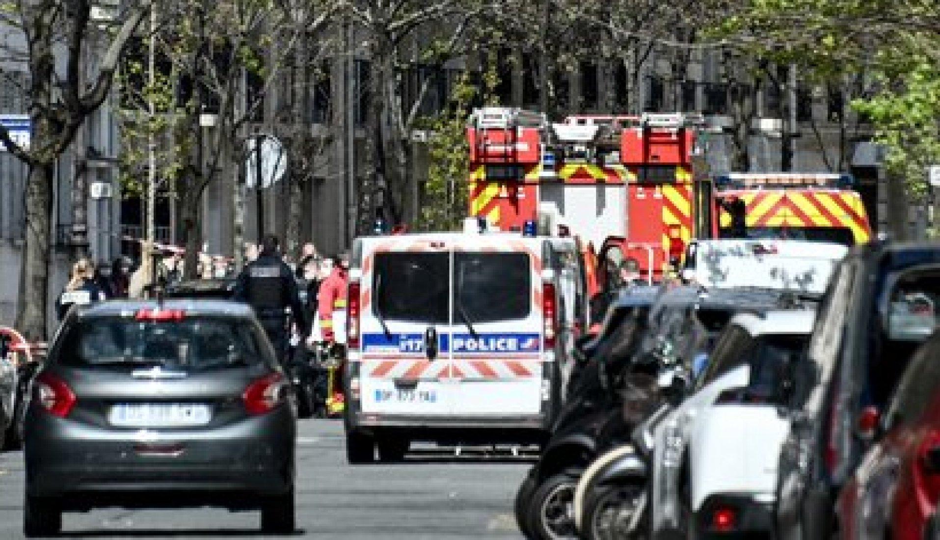 Las imágenes afuera del hospital Henry Durant (AFP)