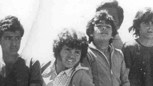 Maradona y Cyterszpiler, juntos cuando eran jóvenes (@MaradonaPICS)